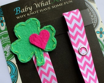 St. Patricks Day Pacifier Clip, Shamrock Pacifier Clip, Clover Clip, Kelly Green, Luck of the Irish Pacifier Clip, pcholiday15
