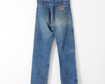FREE SHIP  vintage Wrangler denim jeans, western cowboy cut blue jeans, 32 x 35