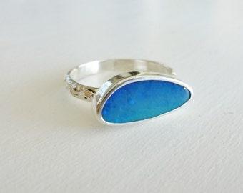 Sterling Silver ring with Ocean Blue Opal doublet, Australian Opal Ring, Blue opal green flash, Fine silver setting
