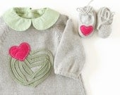 Knitted baby dress with felt hearts and little shoes. Gray, pink, green. 100% wool. READY TO SHIP size newborn.