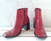 Red Ankle Boots 8.5M Vintage 90s Square Toe Chunky Stacked Low Heel Minimalist Chelsea Boots Indie Leather Diba Grunge Glam Beatle Boots