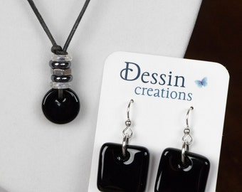 SET Black Recycled Glass Jewelry, Modern Urban Jewelry made from a Recycled Wine Bottle, Eco Gift, Dessin Creations