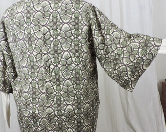 Altered Japanese haori;   size 20 to 22;  cream background with curved brown lines enclosing leaf shapes