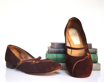 Vintage Brown and Orange Suede Mary Janes - Size 9 or 9 1/2