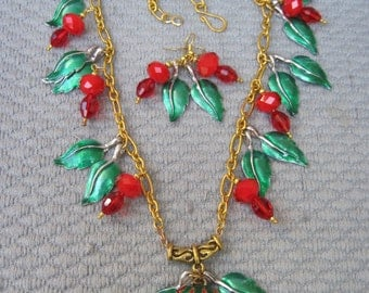 Juicy Red Strawberries with Vibrant Green Leaves inthis Bold Necklace Set