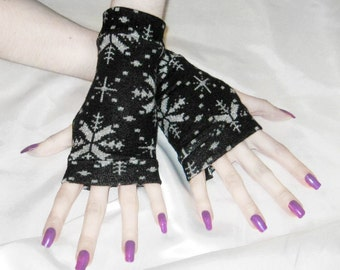 Arm warmers armwarmers fingerless gloves Sleeves - Snowflakes winter fleece sweater knit nordic skiing goth gothic gypsy black gray woodland