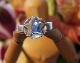 A simple Star in fine silver hand made ring...