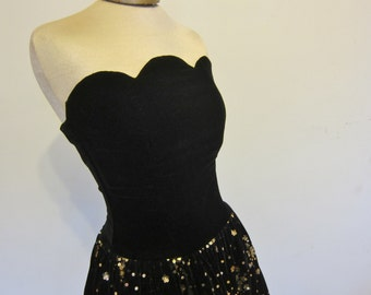 1980s strapless DRESS Jessica Mc Clintock black velvet with gold sequins   size 8, 80s fashion, alternative prom, evening gown, party dress