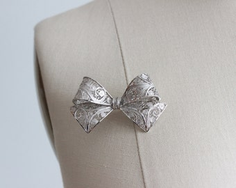 Vintage Silver Filigree Van Lou Bow Pin
