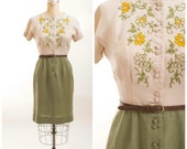Vintage 50s Dress Two Tone Embroidered 1950s Vintage Dress Tan and Sage Green Linen Size Medium