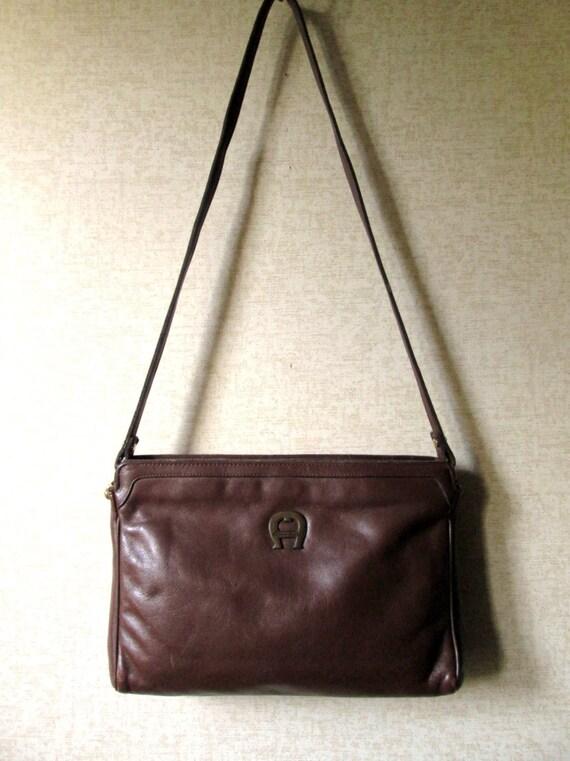 Vintage Etienne Aigner brown leather shoulder bag signature logo vtg 70s 80s aigner purse