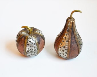 Vintage Wood Apple Wood Pear Apple Figurine Pear Figurine Decorative Apple & Pear Decorative Fruit Apple Paperweight