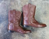 Size 9 1/2 D Men's Vintage Cowboy BOOTS / Vintage Chestnut Brown Leather Ropers / Men's Shoes