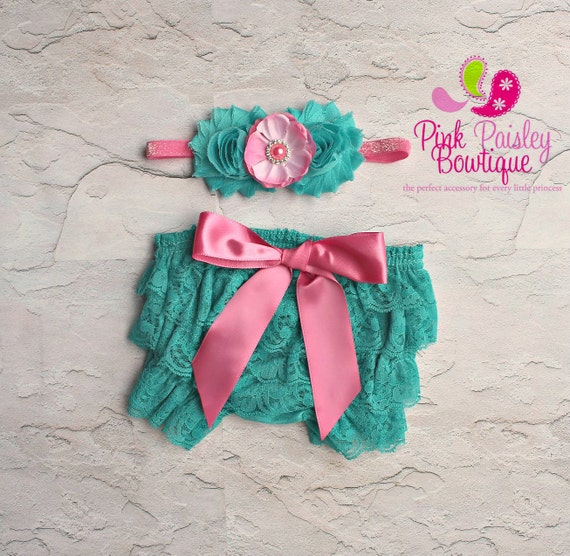 Newborn Headband and Bloomers- Newborn Photo Outfit- Baby Headband and Bloomer Lace diaper cover- Cake smash outfit-Ruffle Baby Diaper cover