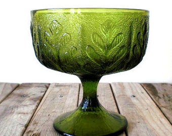 Vintage Large Glass Oak Leaf Chalice or Libation Bowl, FTD Glass 1970's