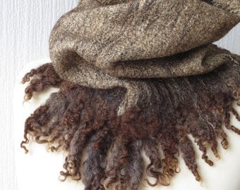 Wilde. Chocolate brown and gold curly cowl