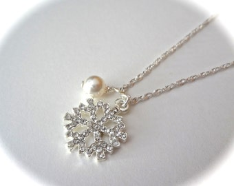 Snowflake, pearl necklace ~ Bridal jewelry ~ Winter wedding jewelry ~ Crystal snowflake ~ Sterling  ~ Bridesmaids ~ Christmas, Gift