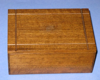 Vintage Hardwood Box Wood Wooden Trinket, Buttons, Notions, Jewelry
