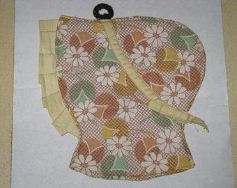 Vintage Sunbonnet Potholder Handmade Cotton 1940's Yellow Daisy Fabric