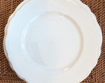 White Luncheon Plate with Scalloped Edge, Winthrop by Syracuse China ca. 1965