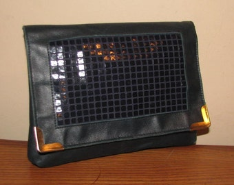 70's MIDNIGHT BLUE LEATHER Envelope Clutch // Metal Checkered Square Gold Tip Purse 80's Retro