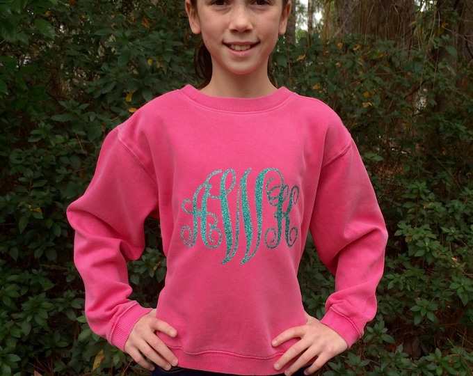 Monogrammed Sweatshirt, Monogrammed gifts, Monogram Sweatshirt, Gift for Her, Gift under 20, Monogram Crewneck Sweatshirt