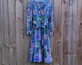 L Large Vintage 70s Long Sleeve Button Up Pointed Collar Blue Purple Green Trippy Psychedelic Print Fall Winter Long Dress