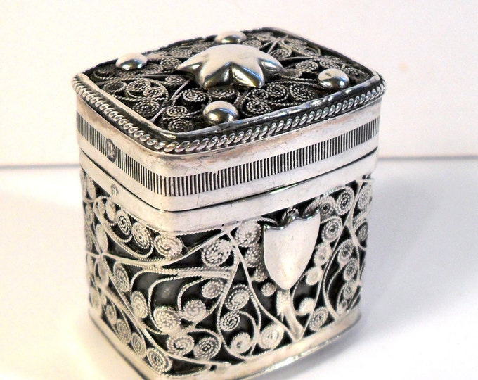Antique 1870s Victorian Vinaigrette Dutch Sterling Silver Filigree Lodereindoosje Box Loderein Lode Rein Perfume