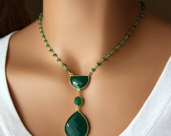 Long Green Onyx Pendant Necklace, Emerald Green, Green Gemstone Pendant, May Birthstone, Statement Necklace, Bohemian Style