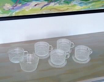 Iittala Kastehelmi (Dew Drops) Set - 4 cups, saucers, cream + sugar, 1960s