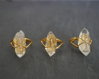 Quartz Ring // Clear Quartz // Gold Ring // Gemstone Ring // Raw Quartz // Natural Jewelry