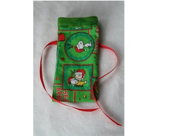 Snoopy Gift Card Sized Reusable Gift Bag with Green Fleece Trim and Red Ribbon