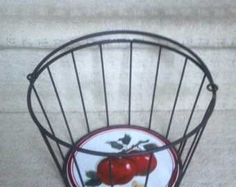 Metal Basket with Handle - Panier with Apple Butterfly Tile on Bottom - Fall Harvest - Home Decor - Country Chic