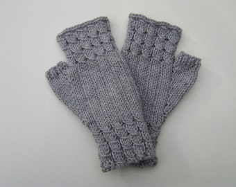 Light Grey Fingerless Gloves. Fingerless Mittens. Wrist warmers. Hand Warmers. Hand Knit.