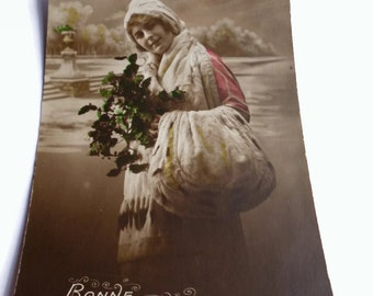 French Vintage Postcard . Vintage French Romantic Woman Postcard . Vintage Postcard . Old Postcard . Bonne Année, Happy New Year .