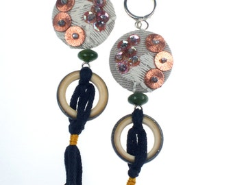 Embroidered earrings with glass ring
