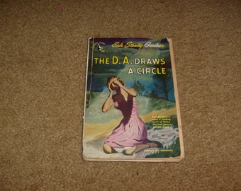 vintage the DA DRAWS a CIRCLE erle stanley gardner sc book used not perfect
