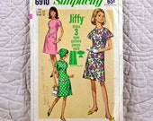 Dress, Simplicity 6910 Pattern for Women, FREE SHIP, Cut and Complete, A Line, Round Neck, Back Zipper, Short Sleeves, 1966, Size 12, 2-oz