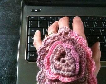 Pattern - Crocheted Flower Handwarmers