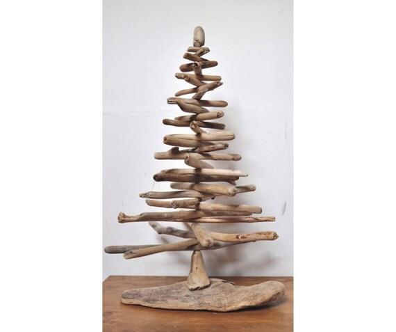 Albero di Natale con legni di mare