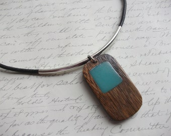 Modern leather necklace with rectangular turquoise design wood pendant