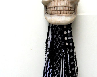 Halloween tassel Halloween light lighted skull hanging skull hanging Halloween decor black and white Halloween