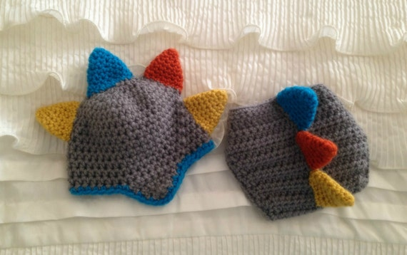 Crochet Dinosaur Hat And Diaper Cover Pattern : Dinosaur Hat & Diaper Cover Set/Crochet/Baby by PinkLemonKnits