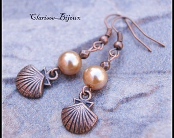 Pearl earrings, Shell Earrings, Pearl beige Earrings, Antique copper Earrings