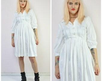 White Shirtwaist Vintage 50's Day Dress