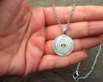 Vintage Mother of Pearl Button Pendant Necklace