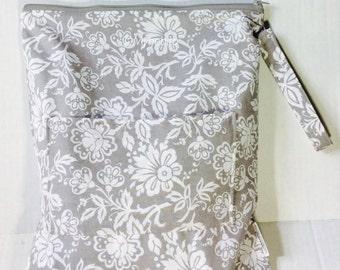 Wet bag, cloth diaper bag with pocket, waterproof bag, beach bag, large wet bag, diaper bag, gym bag, Wet dry bag