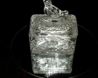 Lead Crystal Bird Topped Trinket Box Hofbauer Byrdes Collection