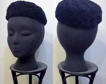 1950's Velvet Navy Pillbox Hat, Vintage Pin Up Velvet  Women's Pillbox Hat, Rockabilly 1960's Pill Box, Mad Men Hat, 50's Velvet Tilt Hat