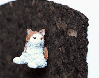 "Pushpin ""Norwegian forest cat"""